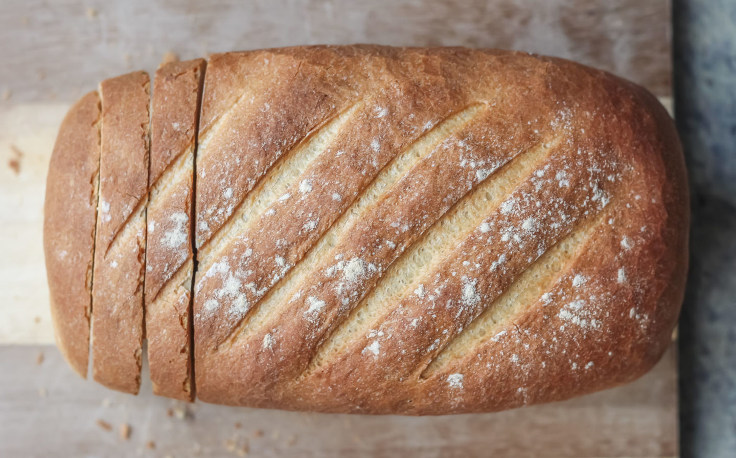 simple-white-tin-loaf