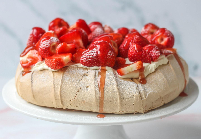 pavlova on cake stand